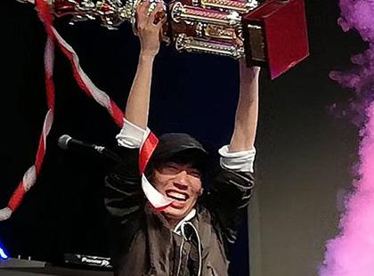 DANCERUSH STARDOM チャンピオン
